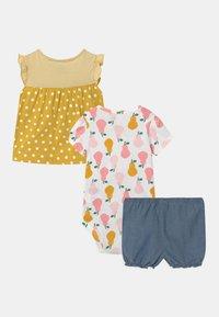 Carter's - PEAR SET - T-shirt print - yellow/multi-coloured - 1