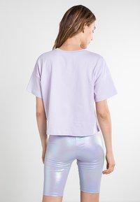 Vans - WM LOOSE CROPPED SS TEE - Basic T-shirt - purple heather - 2