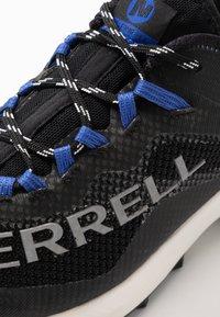 Merrell - MTL LONG SKY - Trail running shoes - black/dazzle - 5