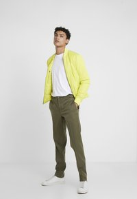 GTA - DAVIDE - Trousers - olive - 1