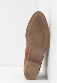Anna Field - LEATHER CHELSEAS - Ankelstøvler - cognac - 6