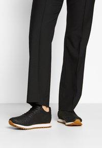 Woden - YDUN CROCO II - Sneakers laag - black - 0
