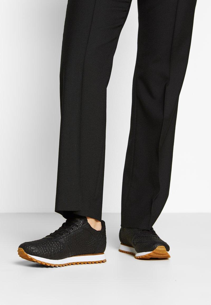Woden - YDUN CROCO II - Sneakers laag - black