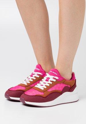 VMLINEA  - Sneakers laag - pink/peacock