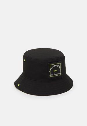 PATCH BUCKET HAT - Chapeau - black