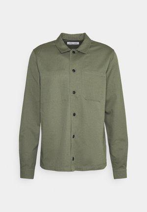 RUFFO  - Shirt - deep lichen green