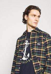 Quiksilver - SAVIORS ROAD - Print T-shirt - navy blazer - 3