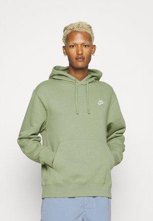 CLUB HOODIE - Sweatshirt - oil green