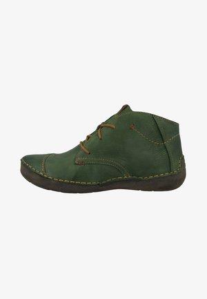 FERGEY - Sportieve veterschoenen - green