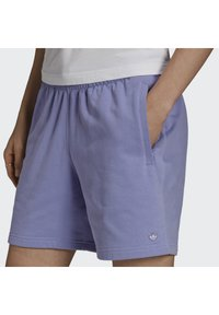 adidas Originals - PREMIUM SHORT - Kraťasy - light purple - 3