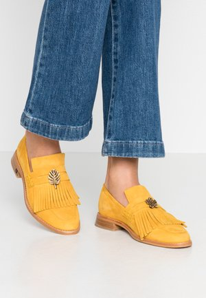 LOEL - Slippers - yellow