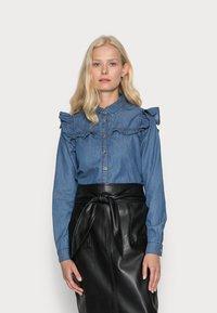 Springfield - CAMISA VOLANTES - Overhemdblouse - medium blue - 0