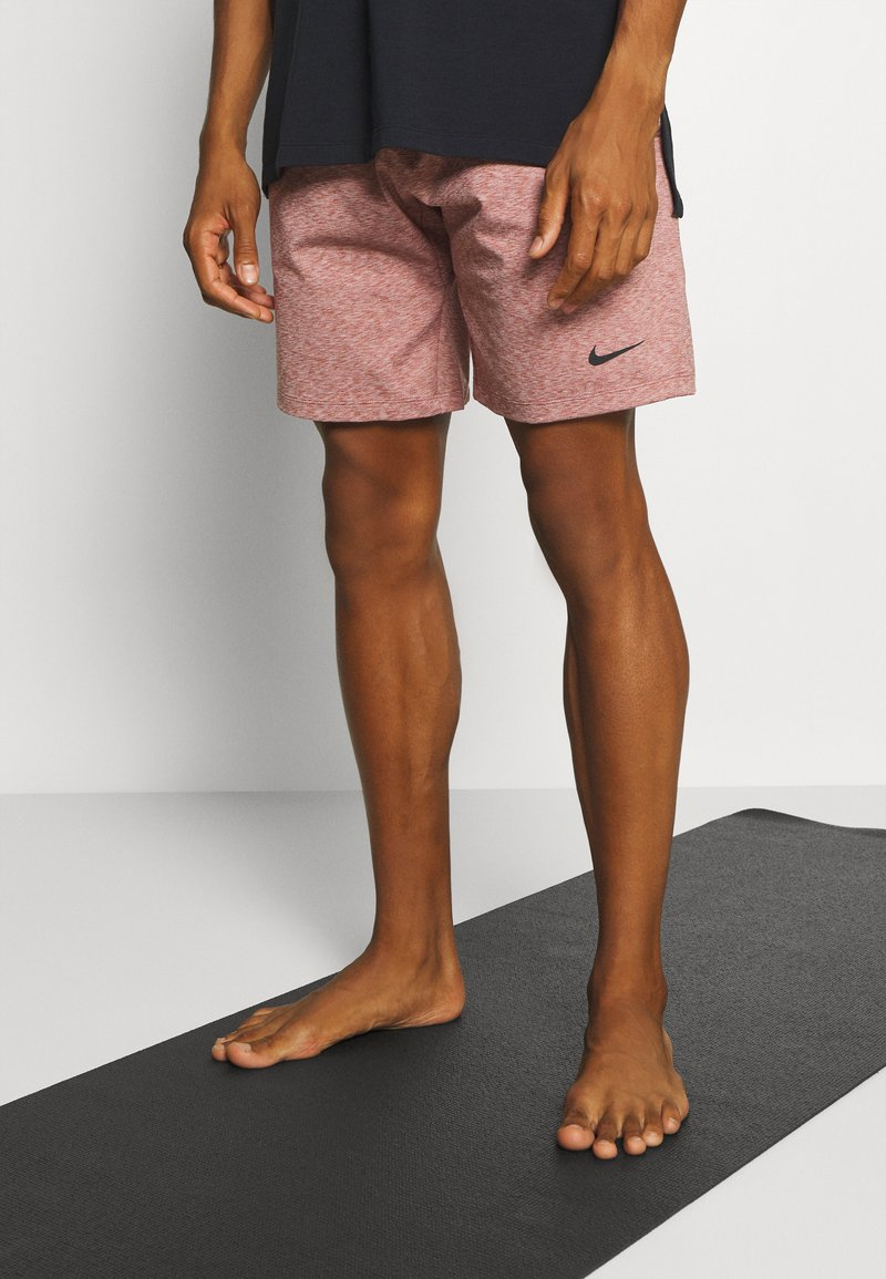 Nike Performance - DRY SHORT - Sports shorts - claystone red/heather/black