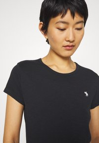Abercrombie & Fitch - ICON CREW TEE - Basic T-shirt - black - 3