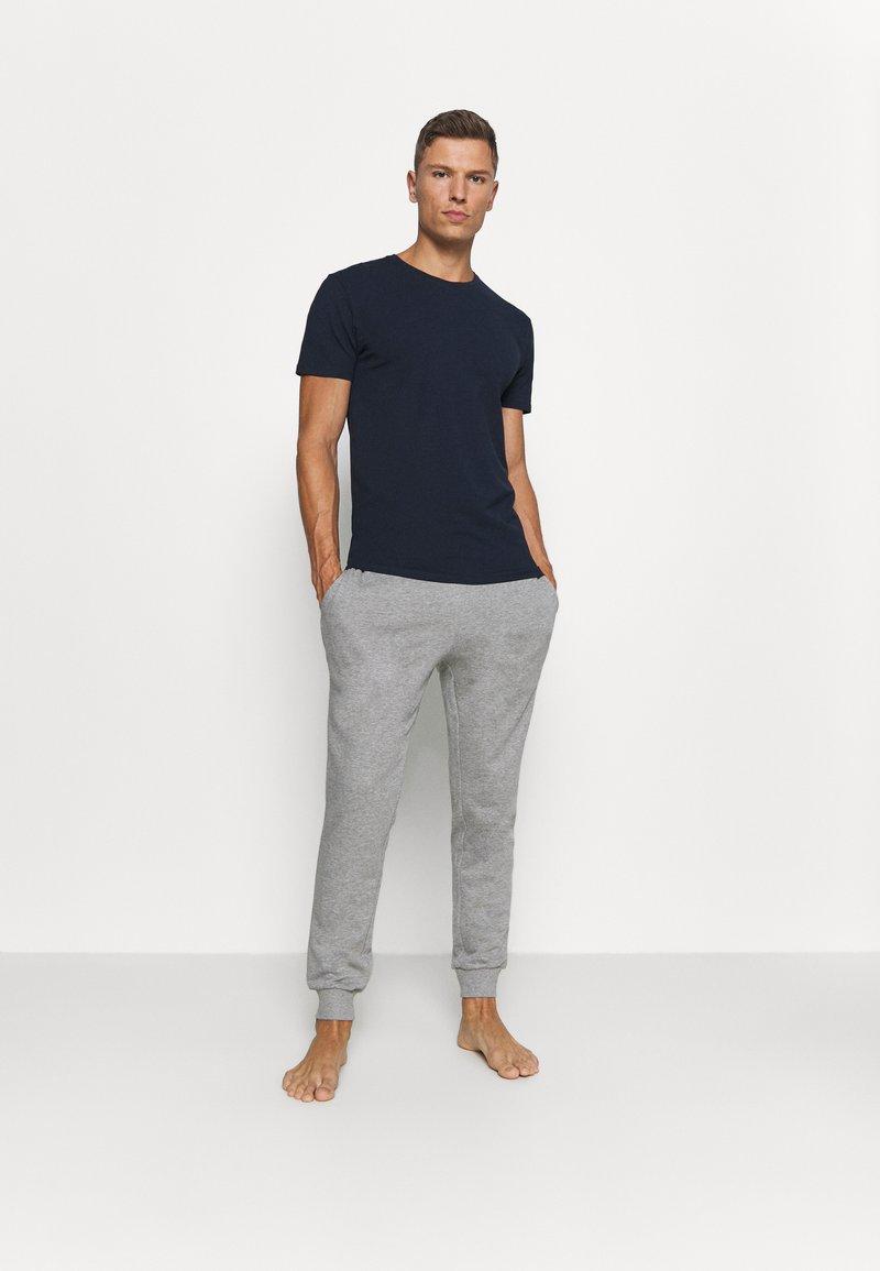 Selected Homme - SLHNEWPIMA O NECK TEE 3 PACK  - Jednoduché triko - navy blazer