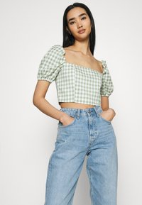 Glamorous - MAYA WITH PUFF SHORT SLEEVES AND LOW NECKLINE - Blouse - mint - 3