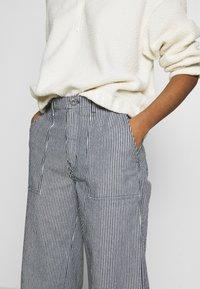 Vans - BARRECKS PANT - Trousers - light blue - 7