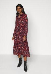 Vero Moda Petite - VMMAGDA BUTTON MAXI DRESS - Denní šaty - night sky/magda - 0