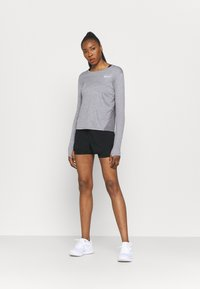 Nike Performance - TEMPO LUXE SHORT - Short de sport - black - 1