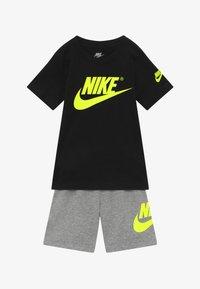 Nike Sportswear - SET - Trainingsbroek - grey heather/black - 3