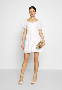 Nly by Nelly - LUSCIOUS DRESS - Cocktailklänning - white - 1