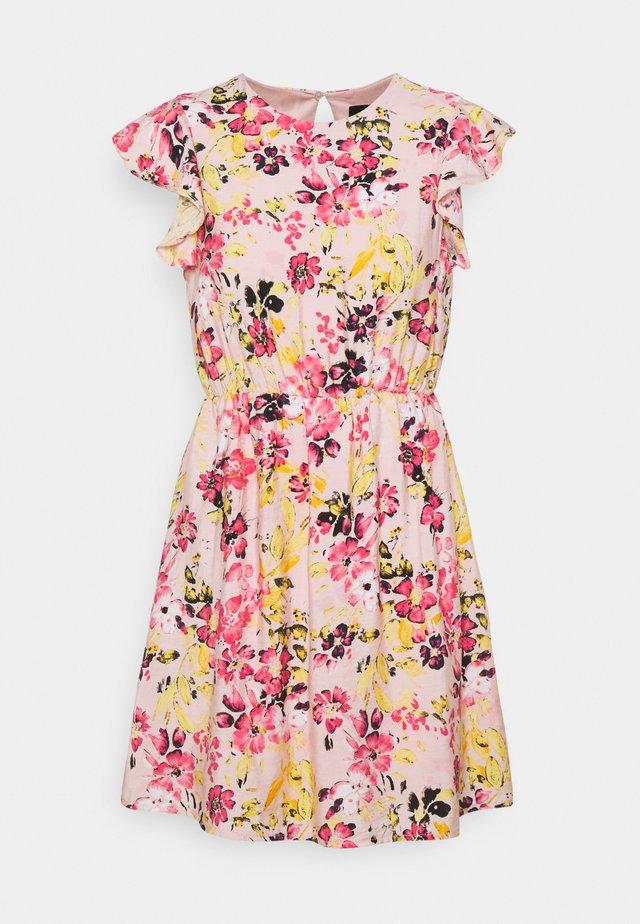 VMGIGI SHORT DRESS - Vapaa-ajan mekko - light pink