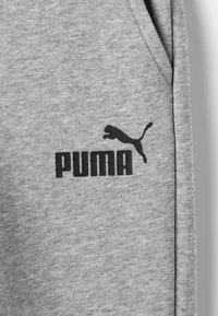 Puma - ESS LOGO SWEAT PANTS FL CL B - Tracksuit bottoms - medium gray heather - 2