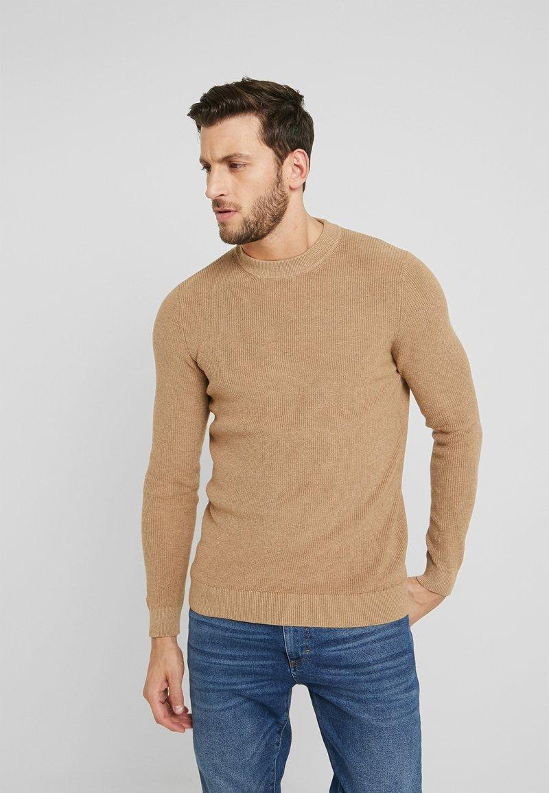 Pier One - Stickad tröja - camel