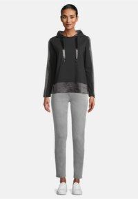 Betty Barclay - CASUAL - Sweatshirt - schwarz - 1