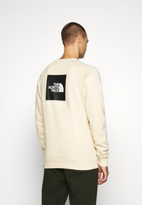 The North Face - RAGLAN REDBOX CREW NEW  - Sweatshirt - bleached sand - 2