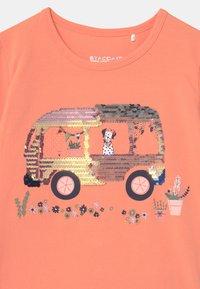 Staccato - KID - Print T-shirt - light orange - 2