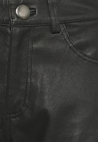 Samsøe Samsøe - ALANA TROUSERS - Leather trousers - black - 2