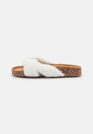 WIDE FIT NOA - Mules - white