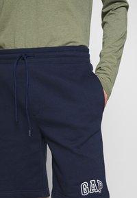GAP - NEW ARCH LOGO - Teplákové kalhoty - tapestry navy - 4
