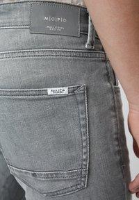 Marc O'Polo DENIM - VIDAR  - Slim fit jeans - grey - 4
