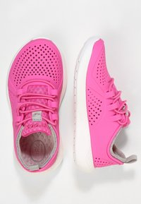 Crocs - LITERIDE PACER - Trainers - electric pink/white - 1