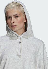 adidas Originals - HOODIE - Hoodie - light grey heather - 4