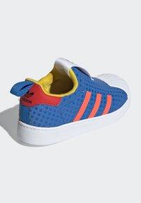 adidas Originals - ADIDAS ORIGINALS ADIDAS X LEGO - SUPERSTAR 360 - Baskets basses - blue - 2