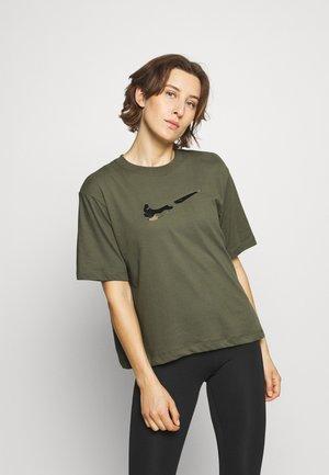 BOXY ONE - Print T-shirt - medium olive
