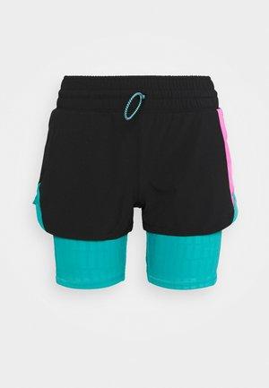 TRAIN FIRST MILE XTREME 2N1 SHORT - Sports shorts - black/viridian green