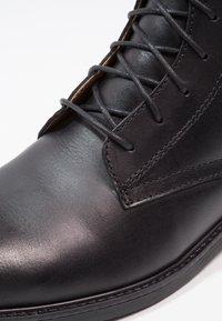 Zign - LEATHER - Šněrovací kotníkové boty - black - 5