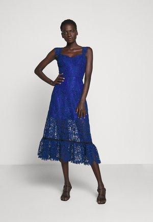 ASHLEY GUIPURE MIDI DRESS SHOULDER SLEEVES - Cocktail dress / Party dress - cobalt