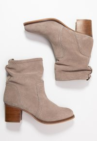 Anna Field - LEATHER BOOTIES - Støvletter - taupe - 3