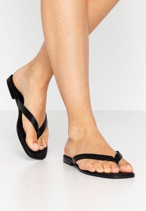 MAYIA - Sandály s odděleným palcem - black