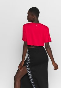 Calvin Klein Performance - CROPPED  - Print T-shirt - red - 2