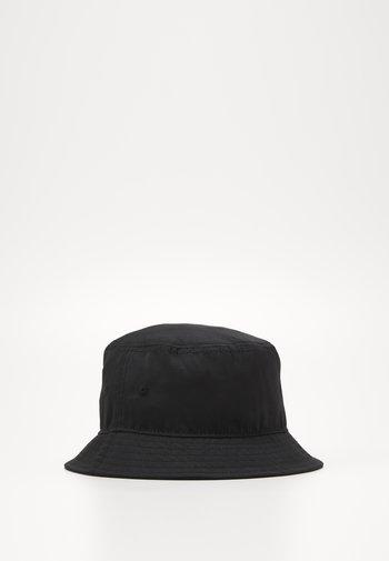 JACALARIC BUCKET HAT - Hatt - black