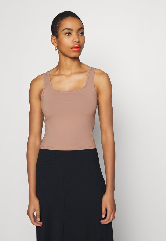 BARE SEAMLESS BOY TANK - Top - light brown