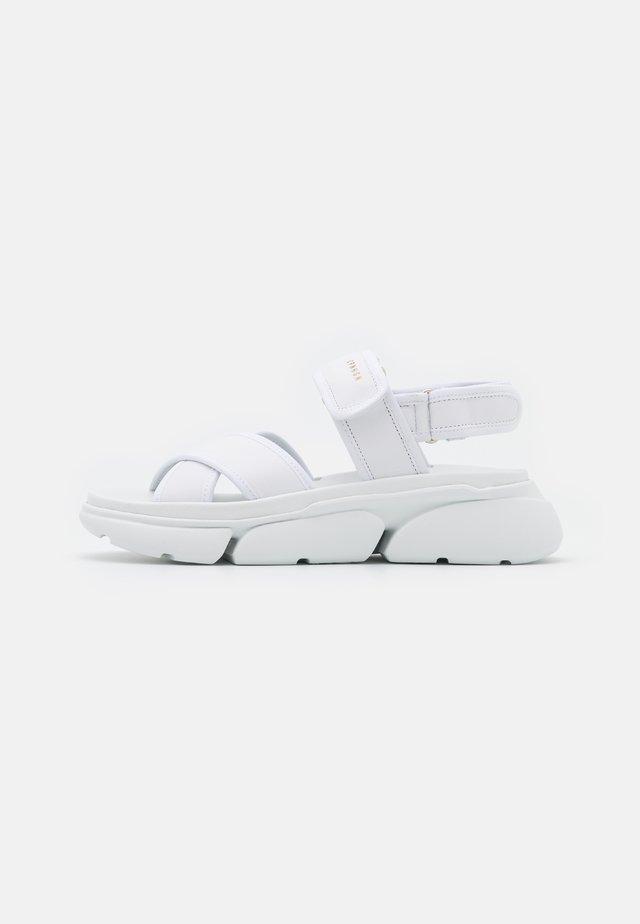 CPH708 - Sandaalit nilkkaremmillä - white