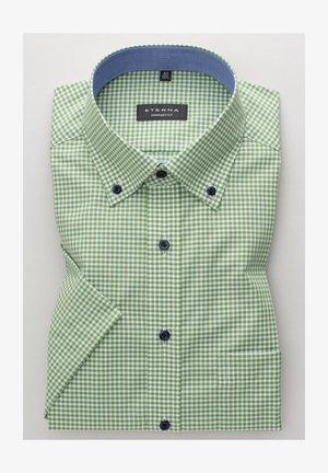 COMFORT FIT - Shirt - grün/weiss