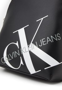 Calvin Klein Jeans - ROUNDED  - Batoh - black - 4